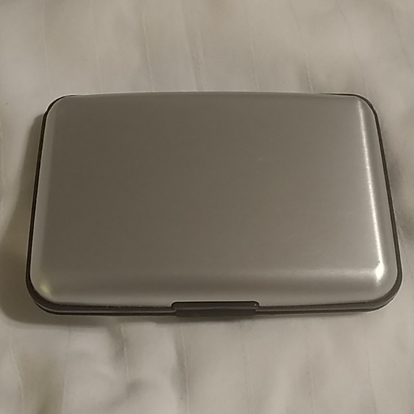 Accessories - Credit card protective case